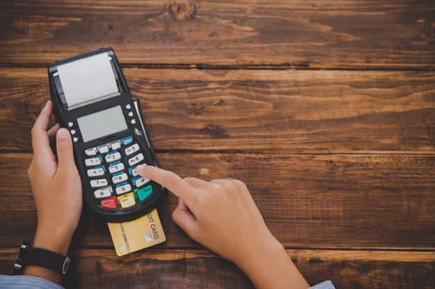 Para mejorar la seguridad de los consumidores será necesario introducir el PIN de tu tarjeta de crédito en las compras presenciales.